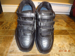 BIOFIT ORTHOPAEDIC SHOES MINT CONDITION