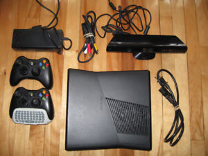 XBOX 360 4G With 2 Controllers,  1 KeyPad. Kinect +15 Games
