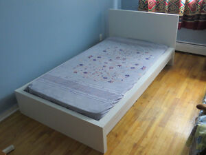 2 Twin Beds + Mattresses