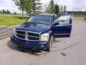 2006 Dodge durango in a very clean and great condition