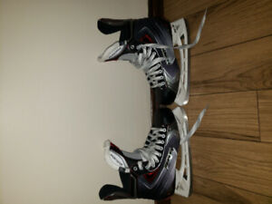 Bauer x70vapor senior skates(size10.5),one.4 gloves + s160 stick