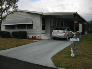 Port St. Lucie, FL - 2 bdrm/2 bath- 1800 sq ft house in 55+ park