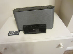 Sony iPod iPhone dock and Clock Radio