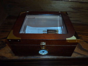 CIGAR HUMIDOR STORAGE BOX