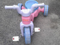 Tricycle Fisher Price - Pour Garderie aussi -