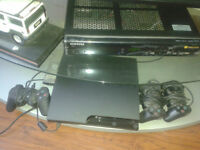 Console PS3 avec 3manette et cd de hockey: NHL 13, 2008, 2005