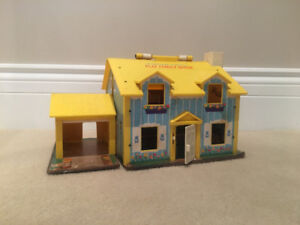 Vintage 1969 Fisher Price Play Family House