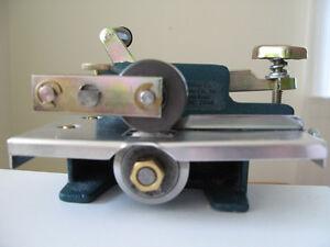 Fraser Rug Hooking Cutter