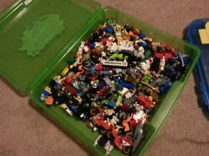 Lego mini figures and people