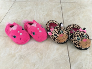 Cute slippers size 8-9