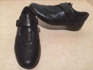 Women's Geox Respira Leather Shoes Size 8.5 London Ontario image 2