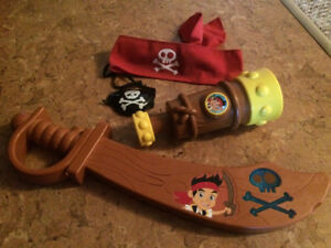 Jake & pirates sword and telescope