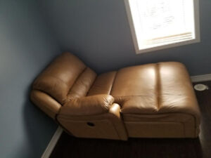 Moving Sale: Recliner bed chair/sofa on very Low Price!
