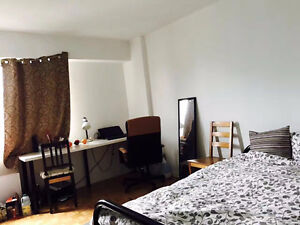$550 Room Rent in Downtown, on Ste-Catherine, Face to Mont-Royal