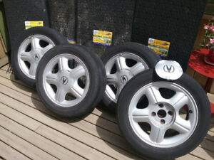 15 inch Aluminum Alloy rims ...great for those with a Honda civi