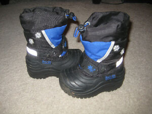 Light up Winter boots- Size 5