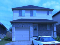 Detached House, Garage, 3 bedrooms, AC,$1300 plus utili