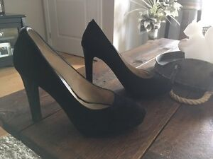 NEW PRICE: Michael Kors Pumps