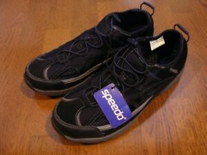 Speedo Water shoes - BRAND NEW - size 9