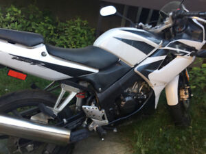 OR TRADE FOR SMALL CAR. Honda CBR 125