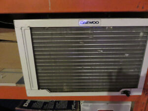 Window air conditiion for sale