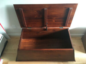 Wood Coffee Table / Trunk