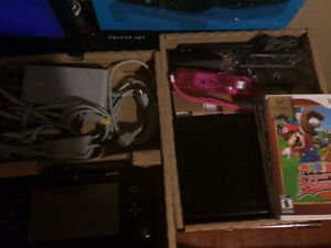 WIIU WITH EVERTHING + 3 GAMES (CONTROLLER SCREEN BROKEN)