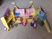 Peppa Pig Castle & Royal Family + Guests