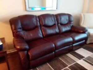 Leather Couch, as new!!