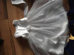 Magnifique Robe 18-24 mois pour votre princesse!