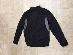 Black Runners Top by Cmovement Size Large