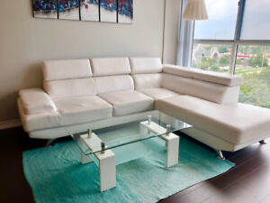 ***LIKE NEW*** Sectional Sofa with Coffee Table