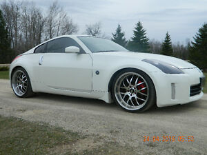 2006 Nissan 350Z Coupe (2 door)