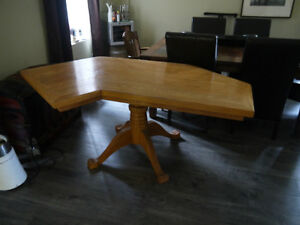 Solid Pedestal Oak Odd Shape Desk/Table