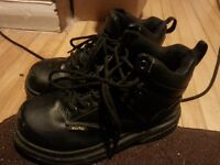 Men's size 8 Steel toe work boots