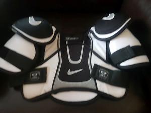 Nike shoulder pads jr. xl