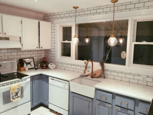 Large Bsmt Brdrm in Co-Living House Near Queen's   May 1st