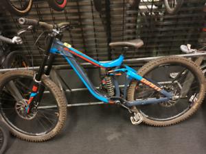 Giant Glory 1 m 16 downhill bike KA157656