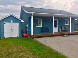 Beautiful Lakes of Wasaga Cottage for Sale!