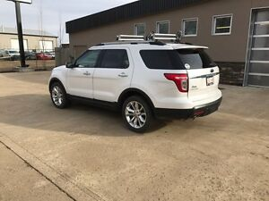 2014 Ford Explorer  LIMITED white pearl