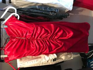Robe de bal rouge en satin