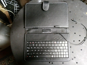 Tablet/phone keyboard. Not for apple