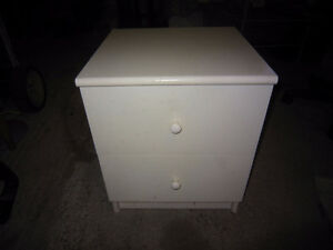 White night stand with drawer. in decent condition. Kingston Kingston Area image 2