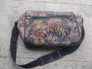 Vintage Flower Carry On Luggage Bag Purse