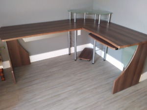 Desk for sale. L-shaped.