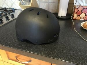 Medium Anon helmet