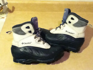 Women's Columbia Waterproof Winter Boots Size 4 London Ontario image 1