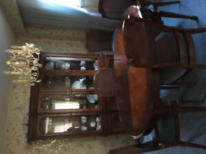 Solid Cherry Wood Dining Room Suite! Eight chairs, hutch