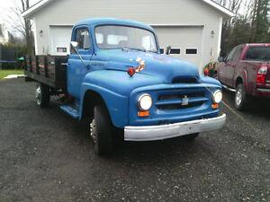 Camion international 1954