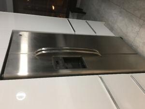 Réfrigérateur avec glaçon, poêle auto nettoyant   lave vaisselle